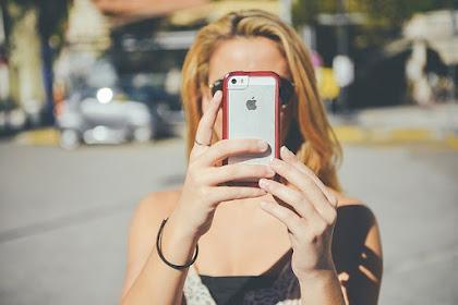Para Orangtua : Anak Kecanduan Handphone (Gadget)? Salahkan Diri Sendiri, Jangan Orang Lain