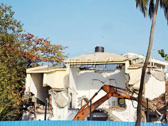 Rajesh Khanna's iconic house Aashirwad destroyed by New Owner - Bollywood News of  India
