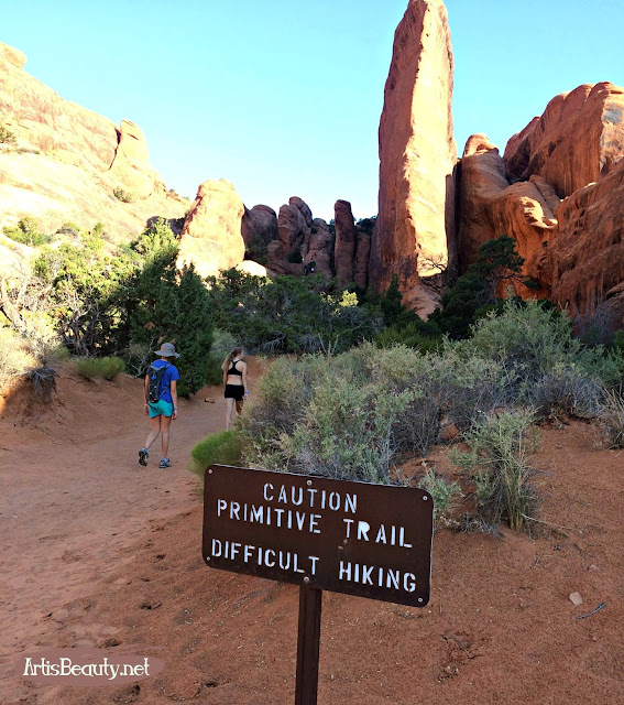 primative trail hike arches national park utah moab family hiking trip tips