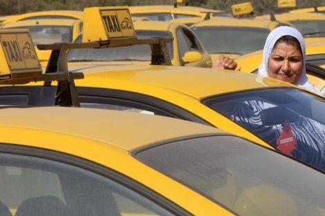 """تارودانت24 """"فيونكة"""" تاكسي للنساء يواجه التحرش الجنسي بمصر"""