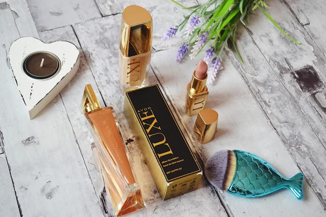 kosmetyki Avon, Avon luxe podkład, szminka luxe, perfumy attraction