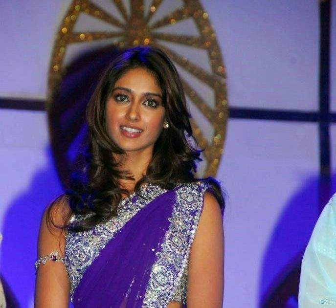 Actress Ileana Blue Saree Photos