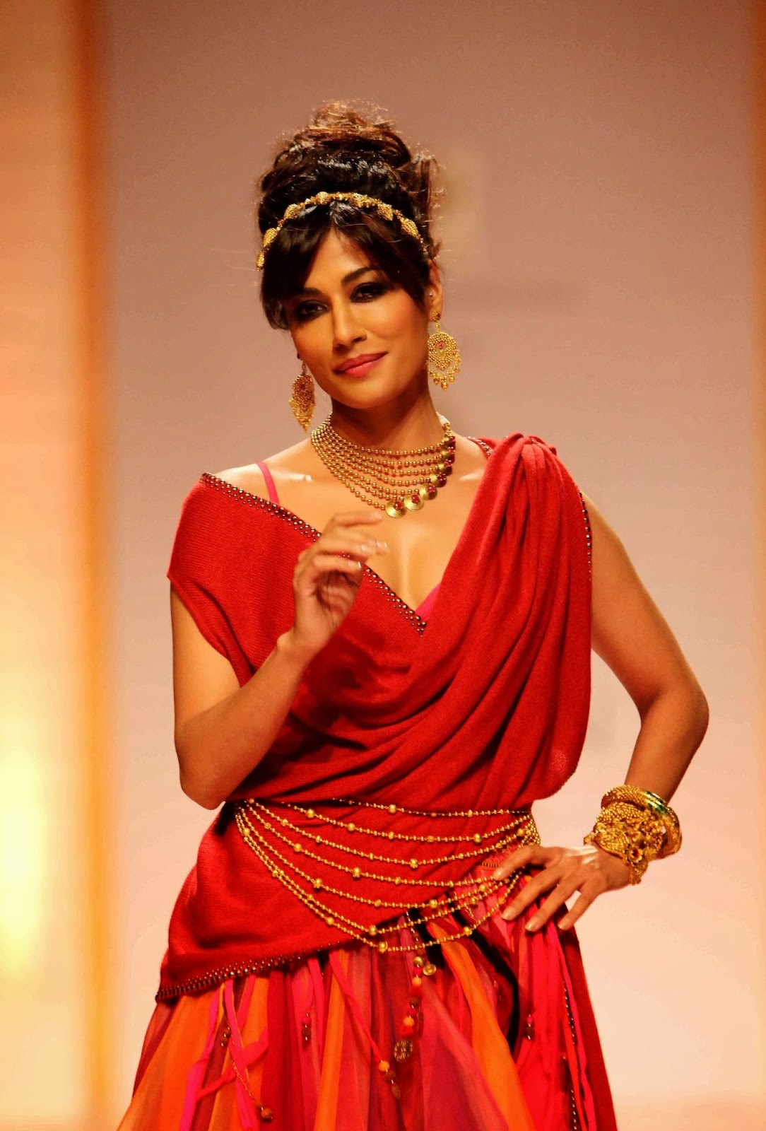 The Glitzy World !!: Azva launches new gold bridal jewellery collection - photo#18
