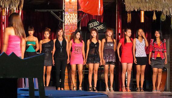 pretty nightclub model girls