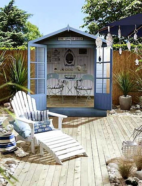 Top backyard and garden decor ideas for coastal style for Beach hut style