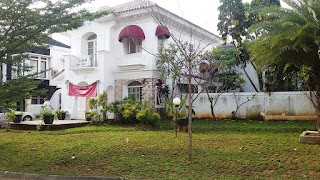 Rumah dengan Tanah Luas di Sierra Madre Sentul City (code:82)