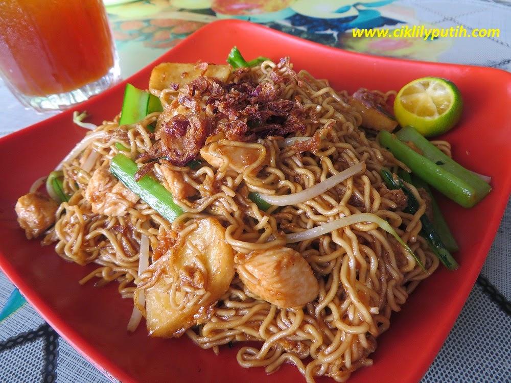 Ciklilyputih The Lifestyle Blogger Mee Kolok Goreng Di Pasar Tamu Bintulu