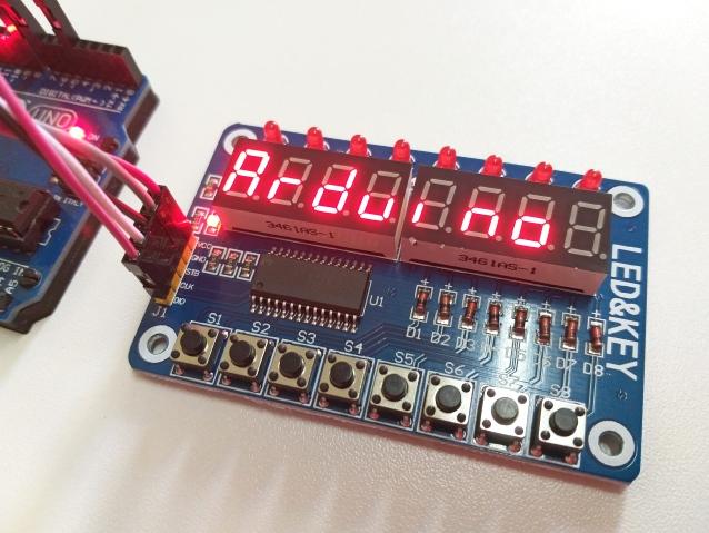 Vista da conexão do módulo TM1638 com Arduino