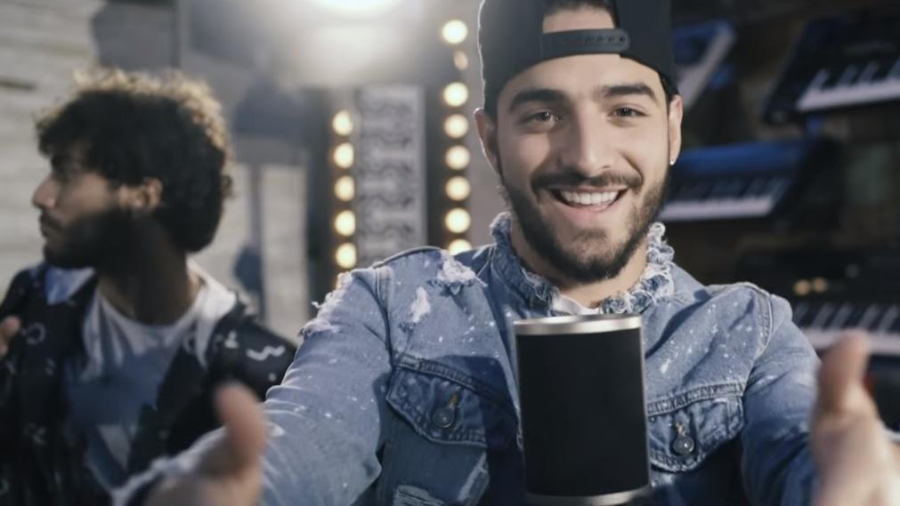 """Além da dupla sertaneja, o cantor de """"Sim ou Não"""" também trabalhou numa música inédita com Wesley Safadão."""