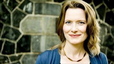 News: Escritora Jennifer Egan confirmada na Flip 2012. 9