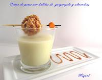 Crema de pera con bolitas de gorgonzola y almendras