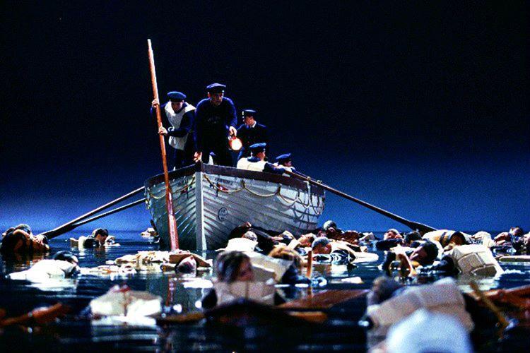 Titanik faciasında ölenlerin nereye kaybolduğuna dair öne sürülen birçok teori var.
