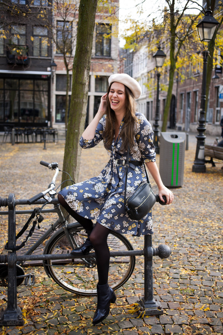 Outfit: vintage romance in floral dress and lace up boots