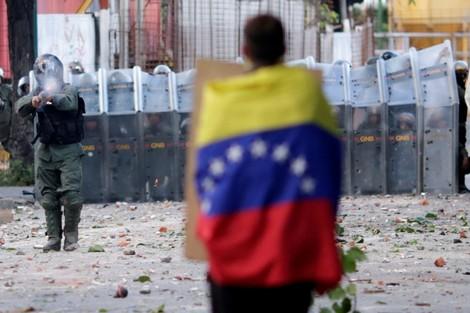 """أولاد برحيل 24/جمعية حقوقية مغربية تتضامن مع فنزويلا ضد """"الإمبريالية"""""""