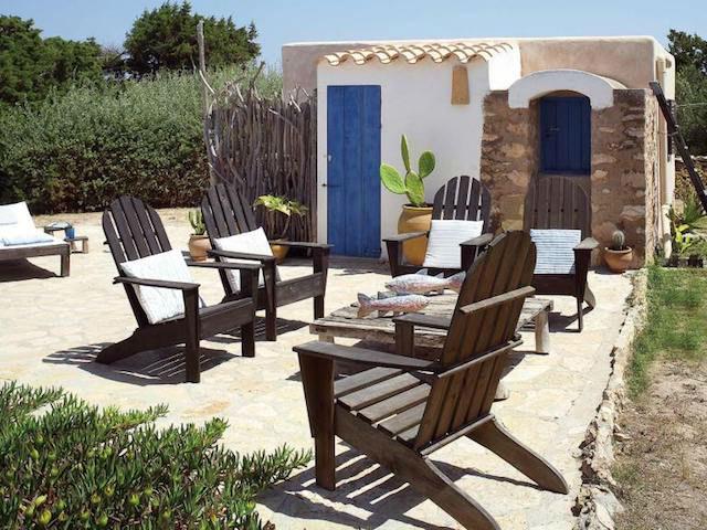 Patio rústico chic en Formentera