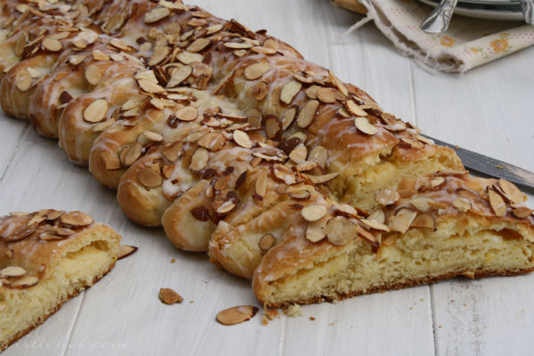 Cream Cheese and Almond Coffee Cake