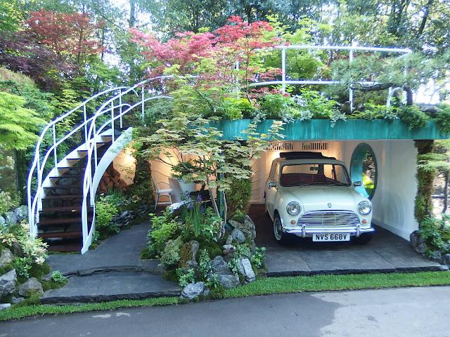 Senri-Sentei Artisan garden at Chelsea Flower Show