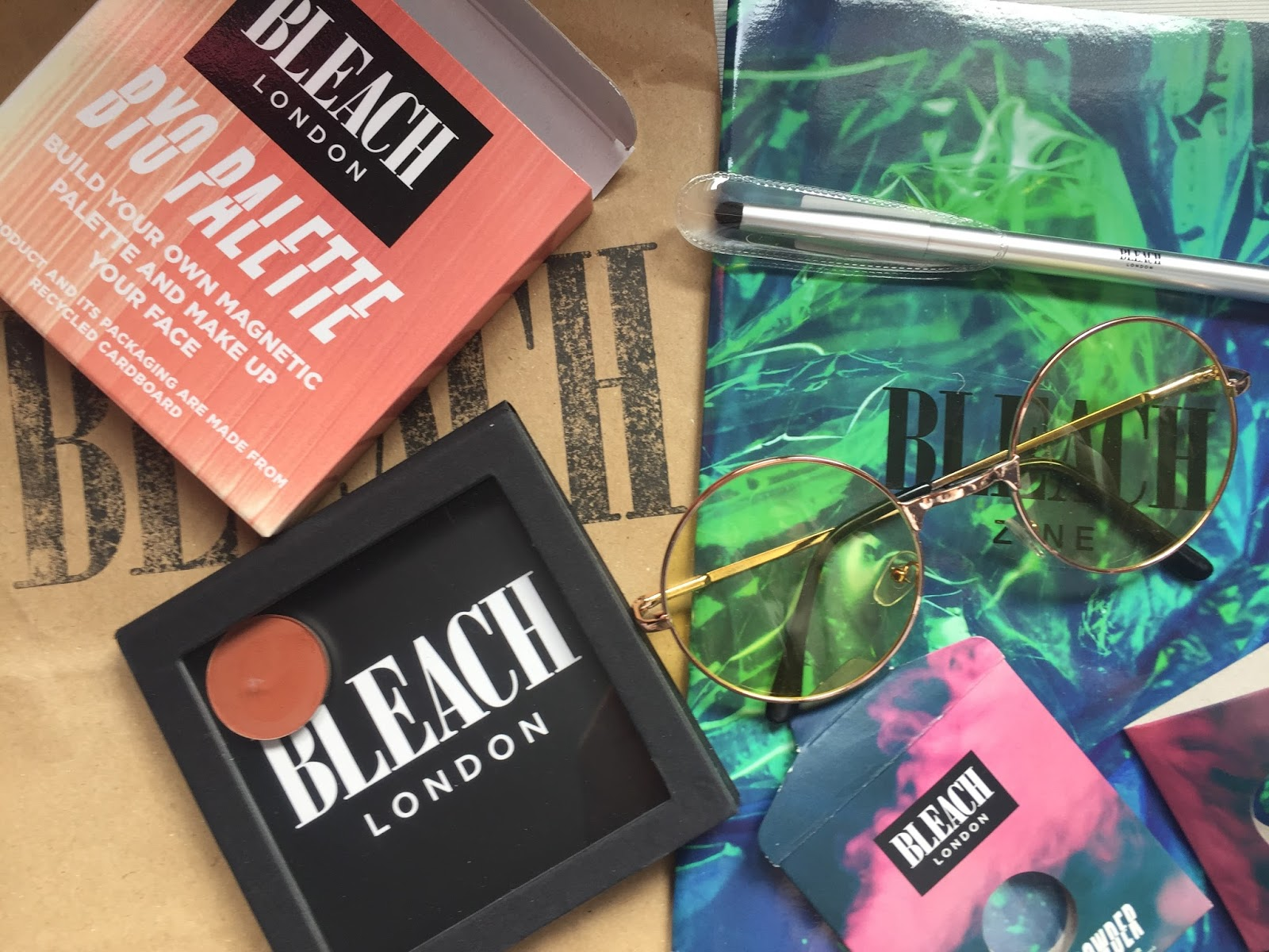 Bleach London haul: Zine, BYO palette, eyeshadow brush and louder powder