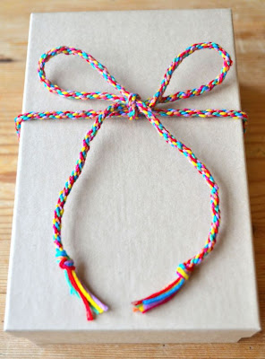 http://adventuresandteaparties.blogspot.com/2013/11/diy-christmas-gift-wrap-ribbon.html