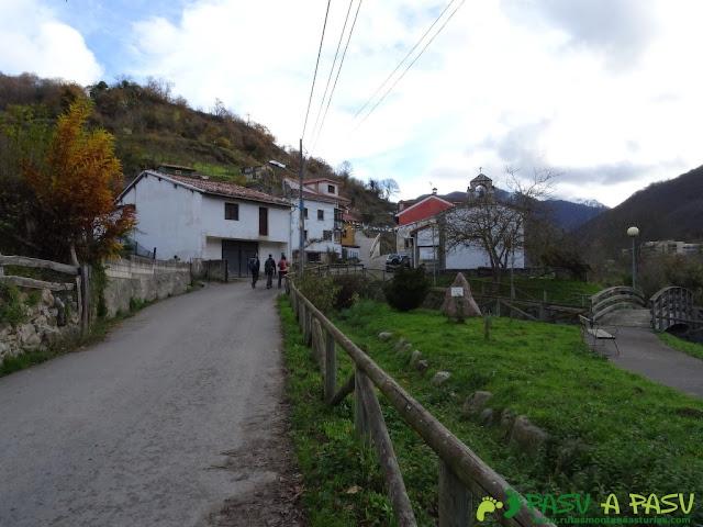 Ruta a Peña Melera y Los Pandos: Capilla Virgen de las Angustias en Felechosa