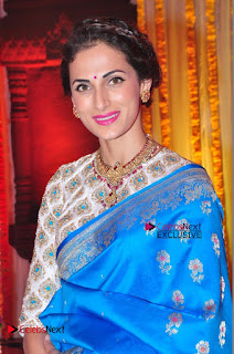 Actress Model Shilpa Reddy Exclusive Stills in Blue Saree at Vijay Karan Aashna Wedding  0030.JPG