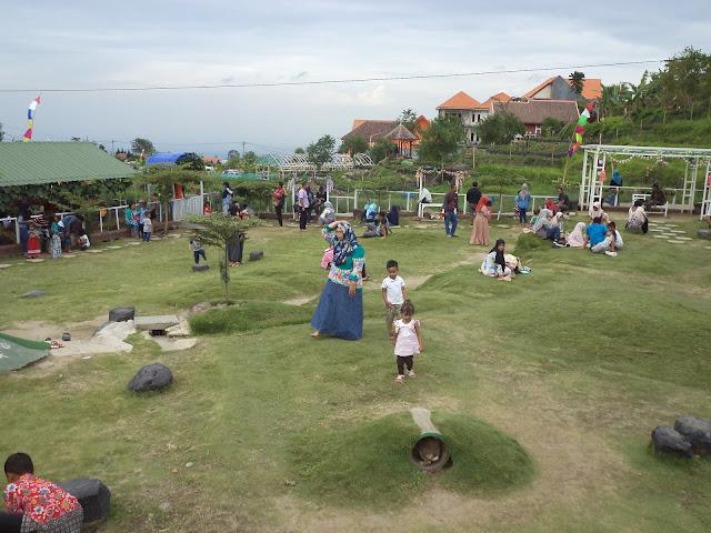 Lokasi wisata Taman Kelinci yang luas, indah dan bersih