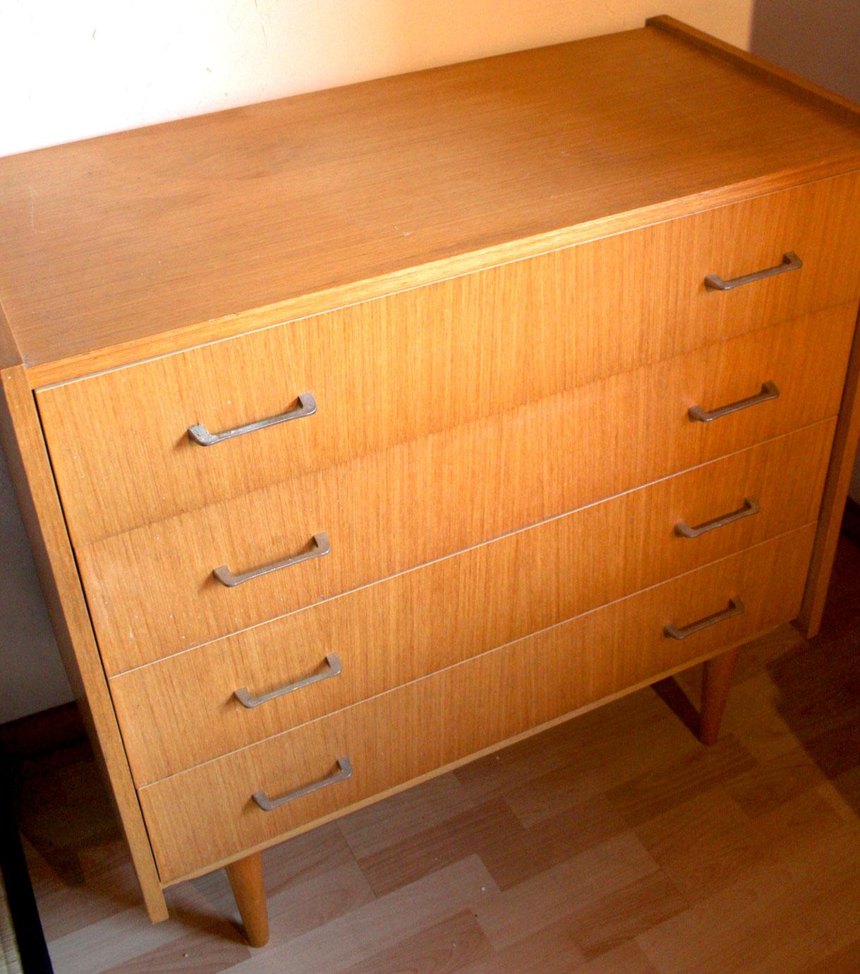 chicbaazar objets vintage 50 60 70 commode ann e 50 60 pi tement fusel. Black Bedroom Furniture Sets. Home Design Ideas