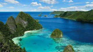 Kepulauan Raja Ampat di Papua Barat