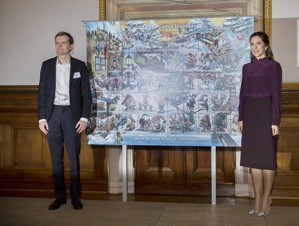 Crown Princess Mary of Denmark attended presentation of 2017 Christmas Seal (Julemaerke). Gianvito Rossi