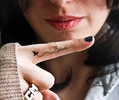 believe bird tattoo on finger anlamlı kuş dövmesi parmak