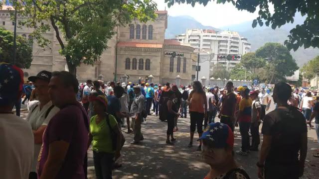 """En Caracas reprimen puntos de concentración para la """"Operación Libertad"""" #1May"""