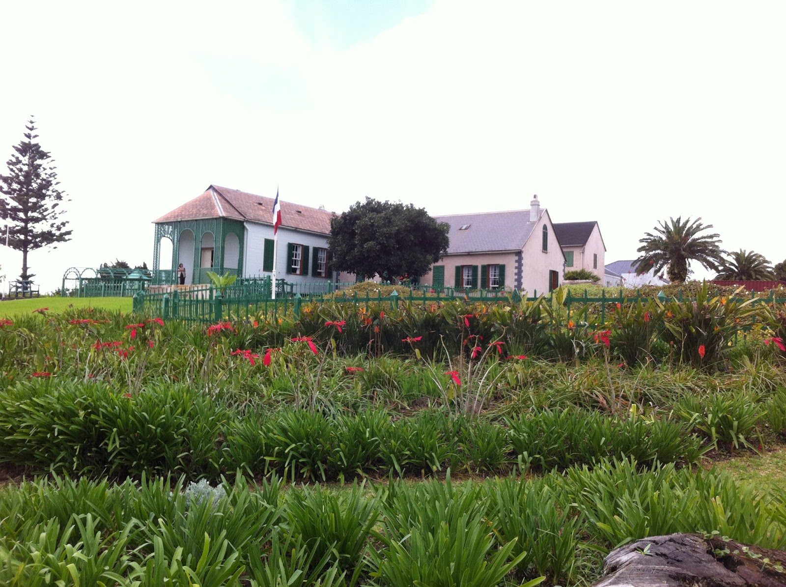 Max globetrotter st helena a remarkable island in for Longwood house