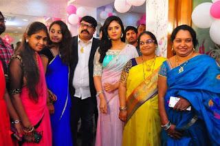 Sreemukhi Launches Manvis Saloon  0046.jpg