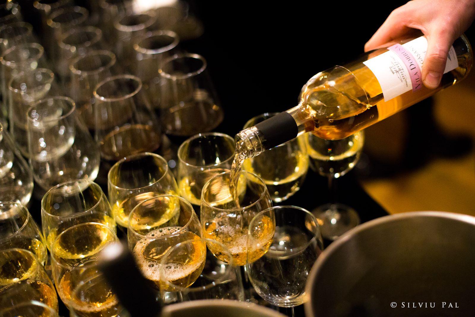 avincis, vila dobrusa, ranevents, ranevents comm, vin, victorian rose, romania, crama, pahare, rose, vin rosu, vin alb, cel mai bun vin, silviu pal
