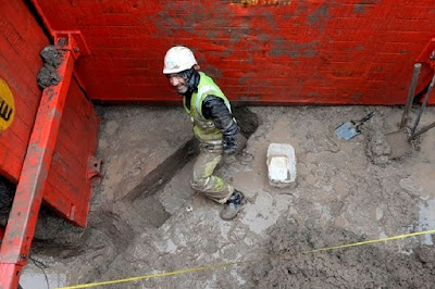 Archaeologists search for Roman remains in Gloucester