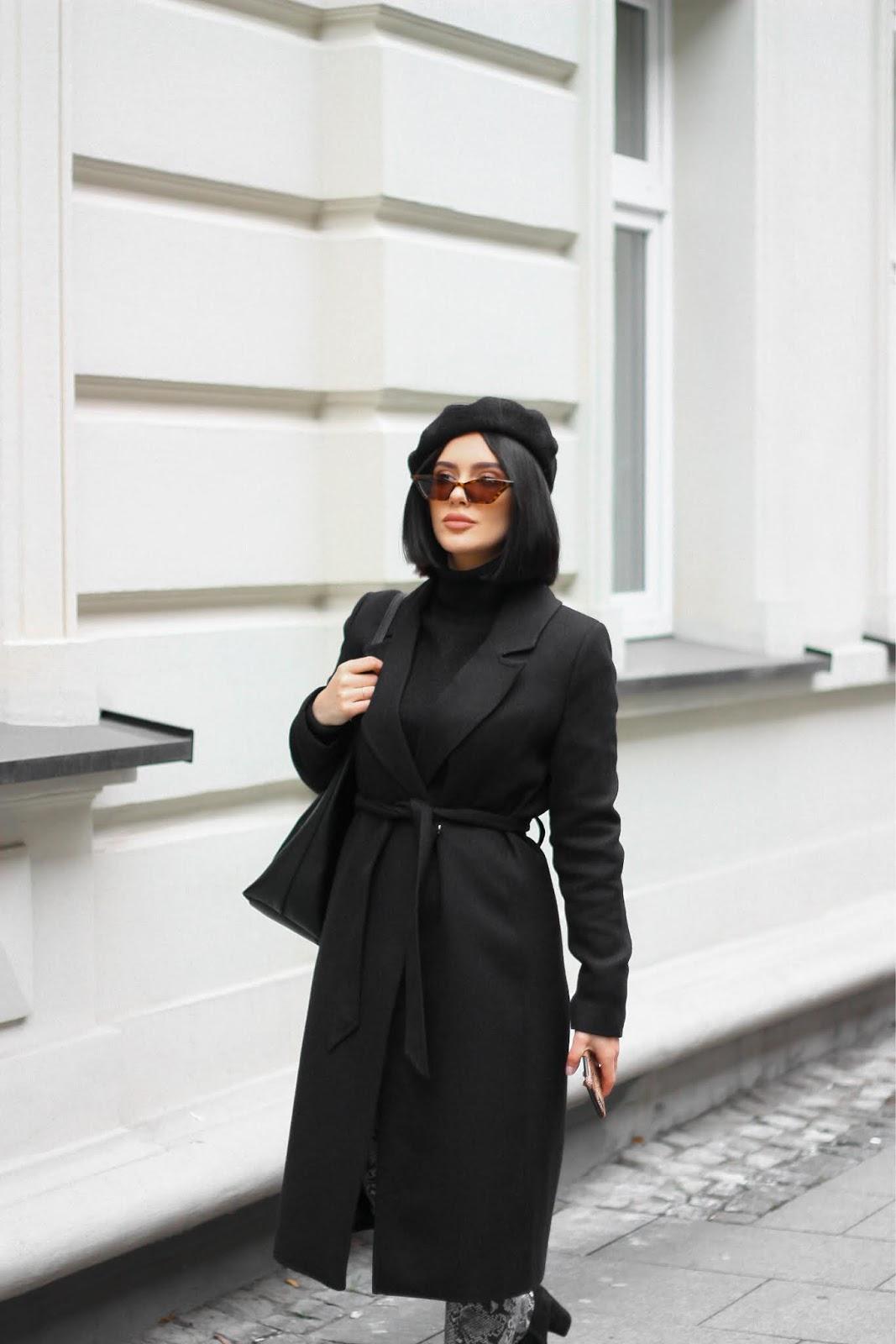 jak nosić beret, beret, czarny beret, beret stylizacja, modne nakrycia głowy