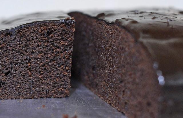 Resepi Kek Coklat Lembab Bakar