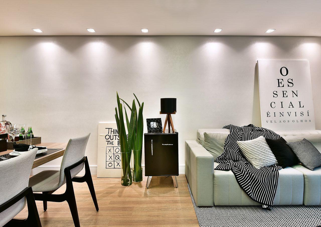 decoracao-sala-de-estar-sala-clean-com-frigobar-preto-retro-tetrizarquitetura-.jpg