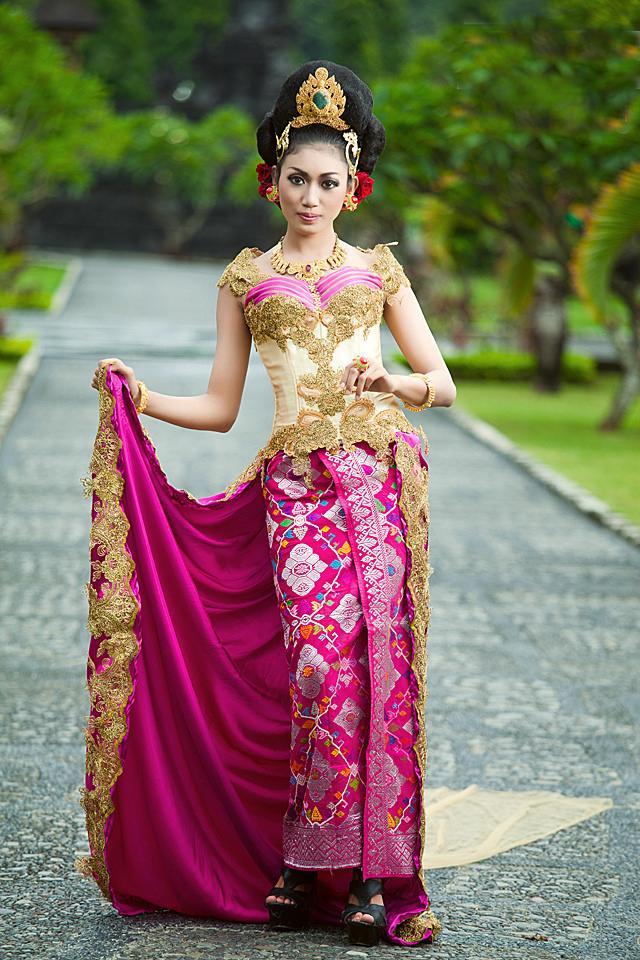 indonesian batik textiles indonesian batik t-shirts indonesian batik tools indonesian batik tops