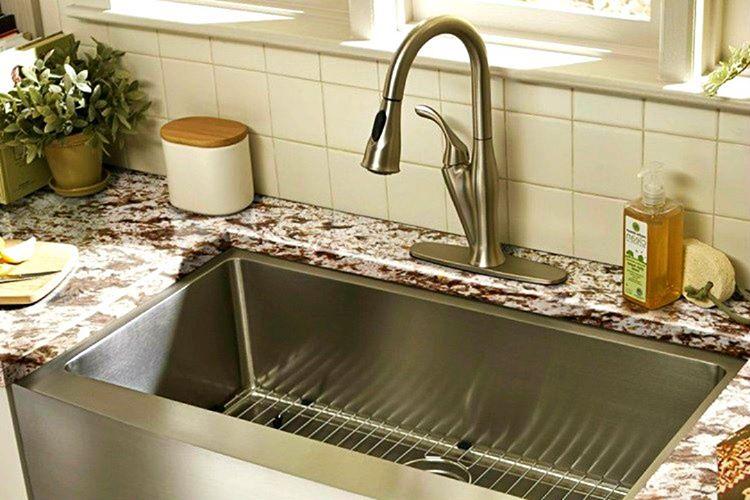 Evlerin %60'ında lavabolarda biriken yiyecek kalıntılarını kanalizasyona götüren özel bir tesisat mevcuttur.