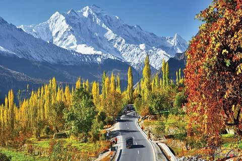 Jammu & kashmir is the paradise to every people throughout the Globe.It is itself a milestone to compare other alternative travel sight as well as the honeymoon couples.