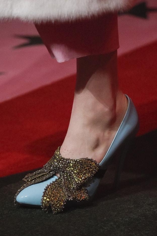 351a5f6b31e89 من عروض ميلانو  هذة هى أجمل 10 أحذية ربيع 2017