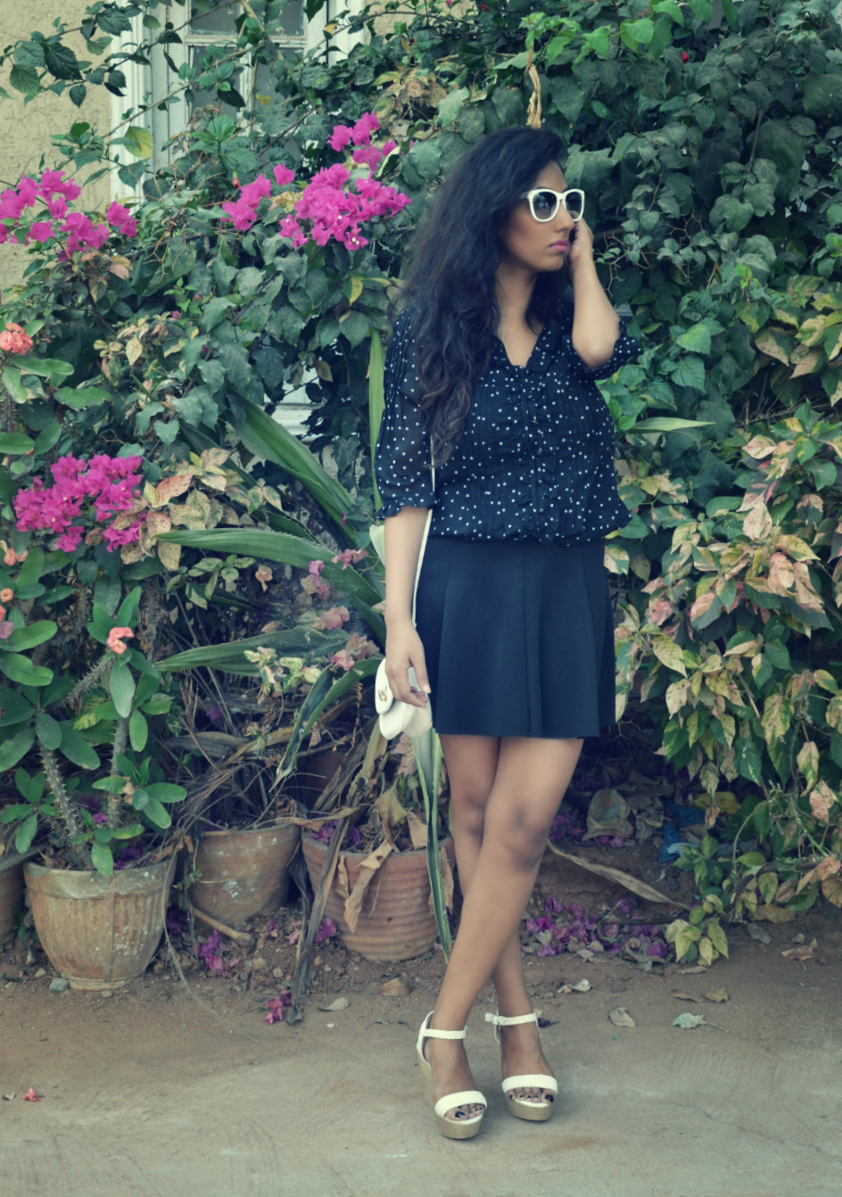 polka, summer, fresh, lookbook, street style, black, I Dress for the Applause, White, Sunglasses, vintage, retro, Indian, Indian blogger, Fashion