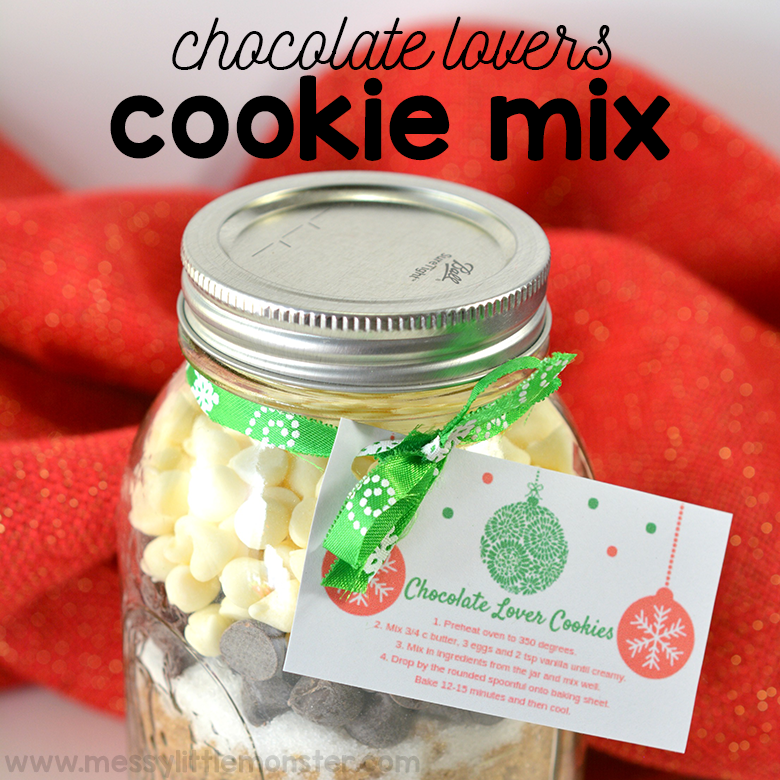 Mason Jar Gifts. Christmas Cookie Jar for chocolate cookies