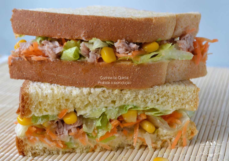 Sanduíche de atum e milho no pão de milho! Para vender muito e lucrar!