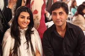 Adnan Siddiqui Family Wife Son Daughter Father Mother Age Height Biography Profile Wedding Photos