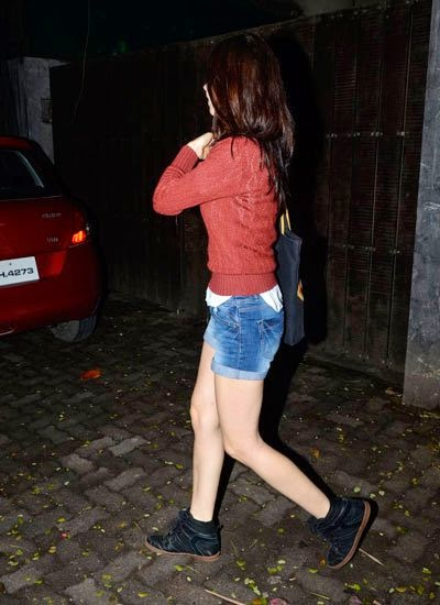Kalki Koechlin snapped at Sunny Super Sound