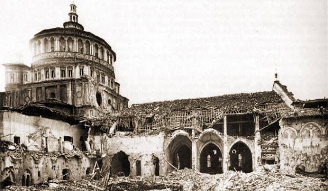 Santa Maria delle Grazie em Milão após bombardeio em 1943