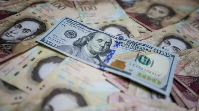 El dólar aumentó su valor en Venezuela más de 6,3 millones de veces este 2018