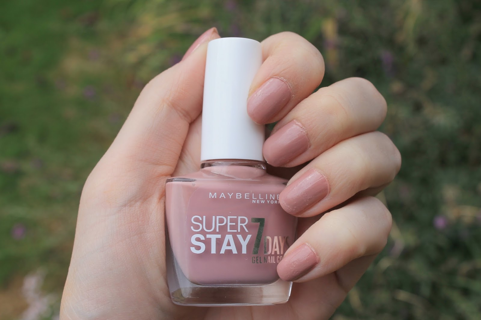 YOURS CHLOE: Nails | Maybelline \'Rose Poudré\' Gel Nail Colour